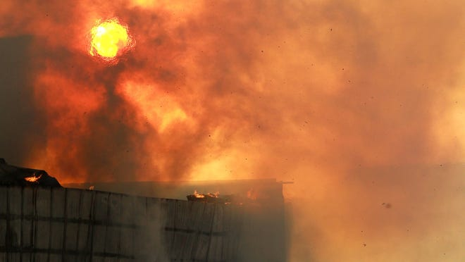 636544038686469447 180216 02 City Carton fire ds
