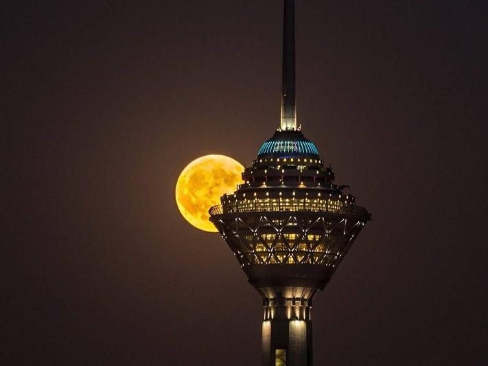 در سفر به تهران چه جاهایی را ببینیم؟ برج میلاد