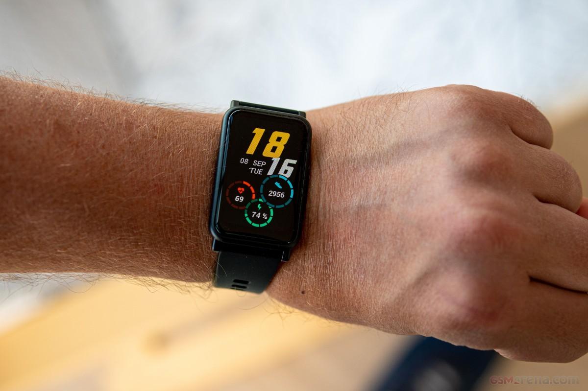 بررسی کامل و تخصصی ساعت هوشمند Honor Watch SE پیشنهادی از ته دل