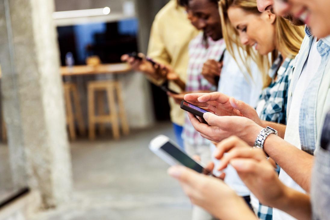 movil smartphones clientes apps usuarios tecnologia recurso BBVA e1514912389593
