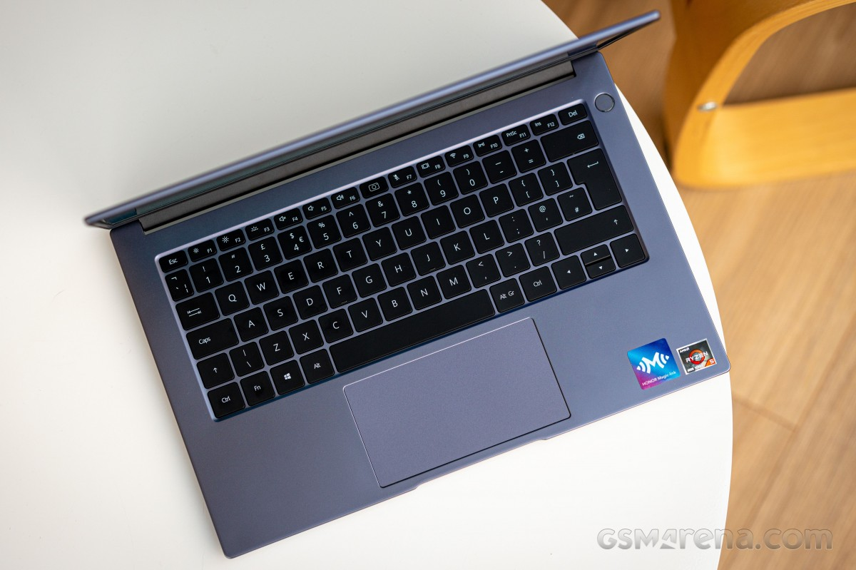 روکیدا | نقد و بررسی لپ تاپ MagicBook 14 آنر با پردازنده Ryzen 5 4500U | آنر, لپ تاپ, لپ تاپ MagicBook 14 آنر, لپ تاپ میت بوک ایکس هوآوی, نقد و بررسی لپ تاپ, نقد و بررسی گجت ها, هواوی