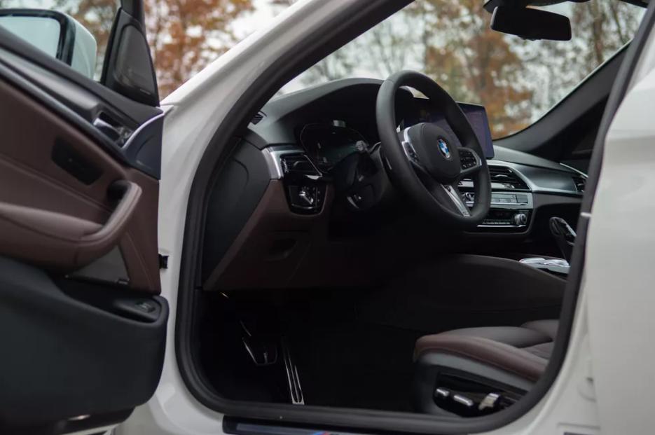 بررسی BMW 540i xDrive: مرز راحتی و سرعت