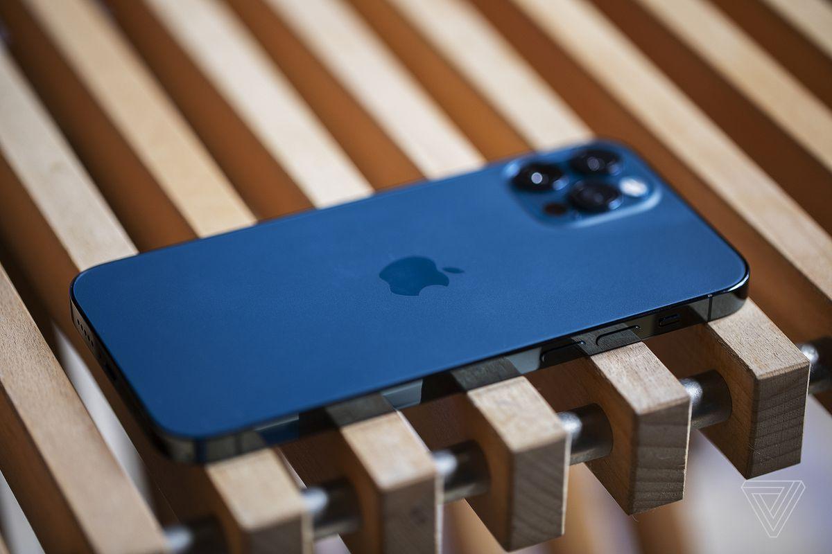 روکیدا | کدام گوشی ها لقب بهترین طراحی سال 2020 را از آن خود کردند؟ |