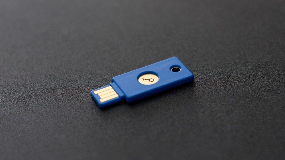 کلید فیزیکی چیست؟ چرا شما باید از کلید USB استفاده کنید؟