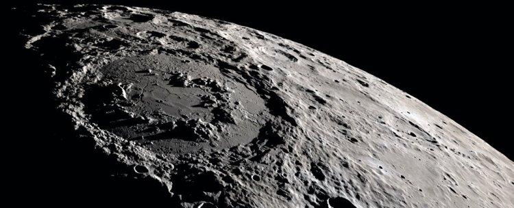 برادر دو قلو ماه در مدار مریخ؟ نوزاد را سر راه گذاشتند!