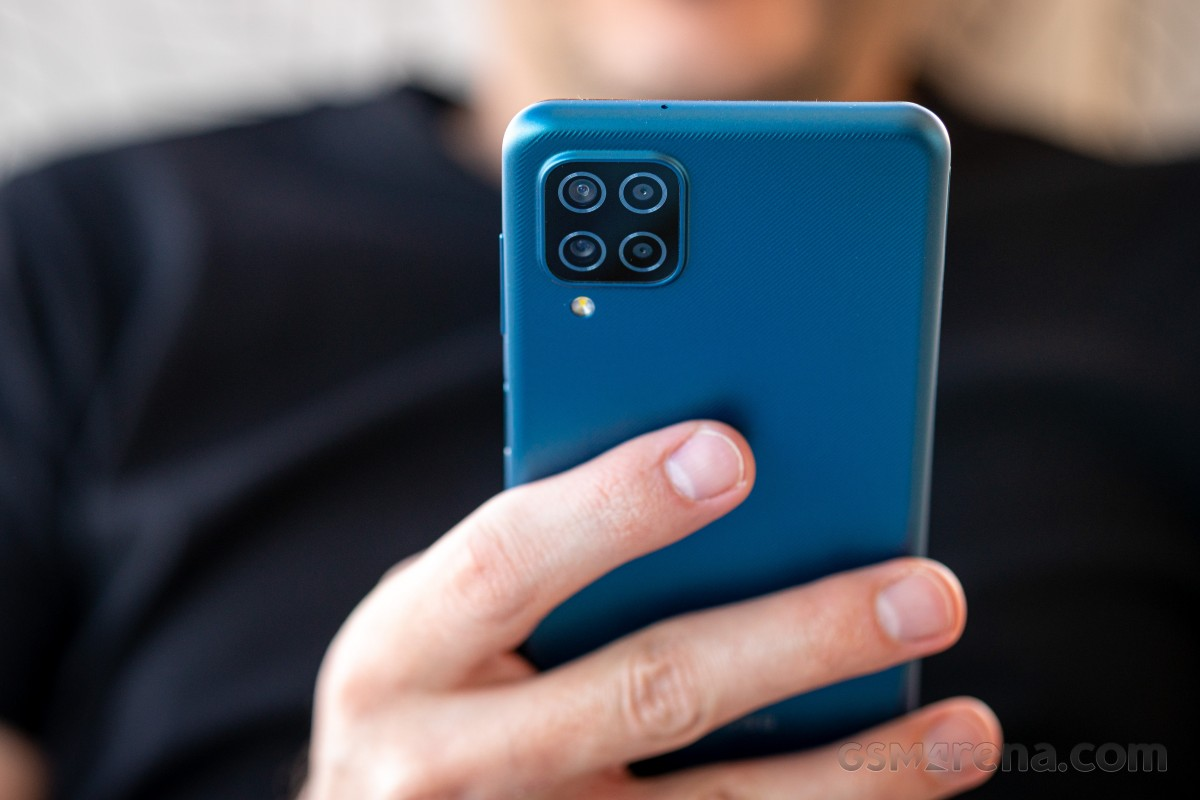 بررسی کامل و تخصصی گوشی گلکسی A12 سامسونگ: خجالت در برابر رقبا