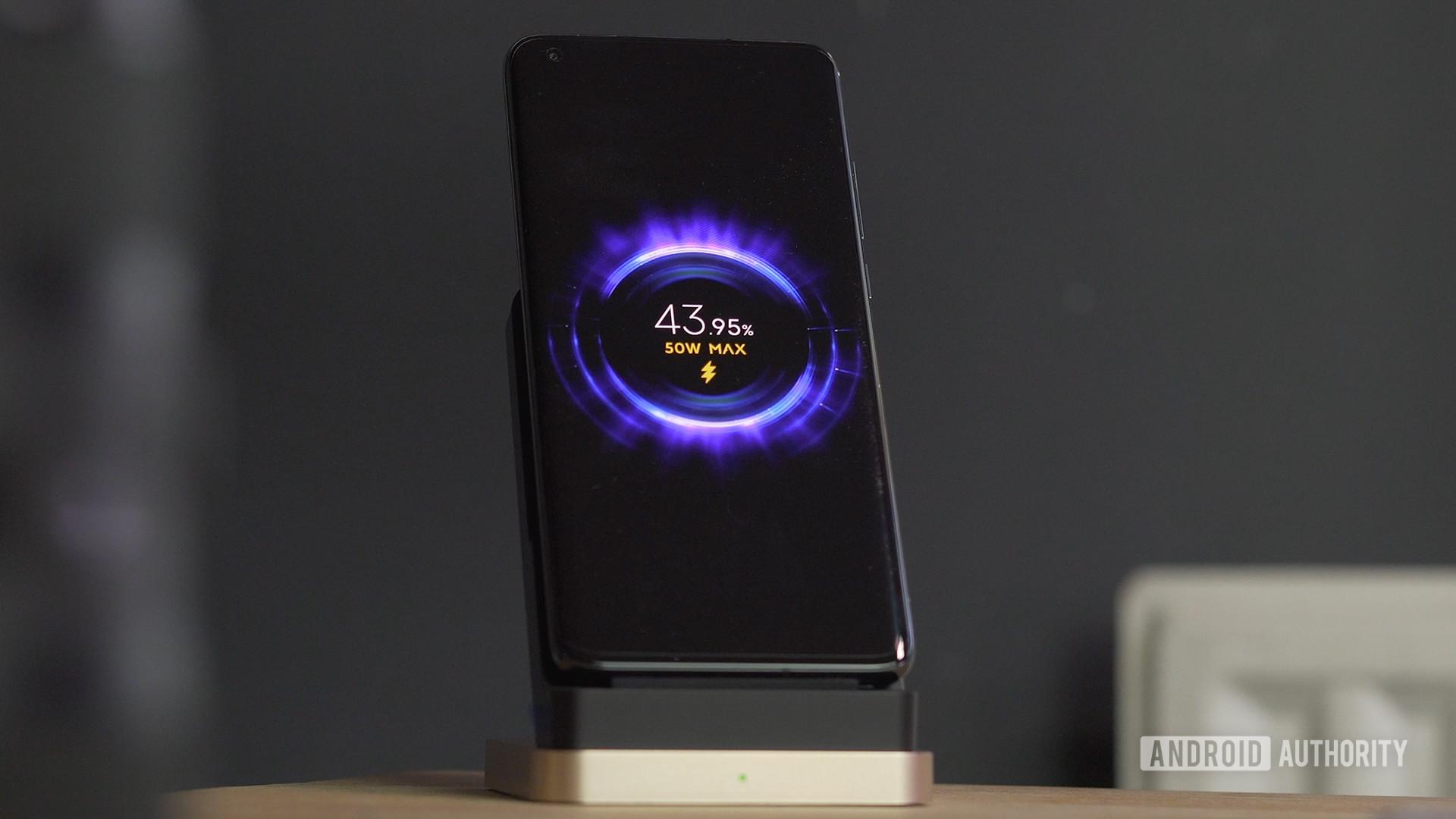 Xiaomi Mi 10 Ultra fast wireless charging screen