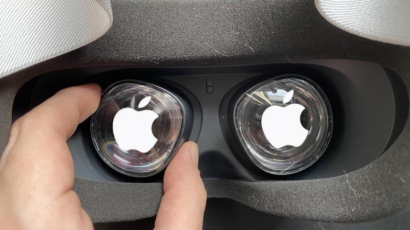 apple vr inside thumb