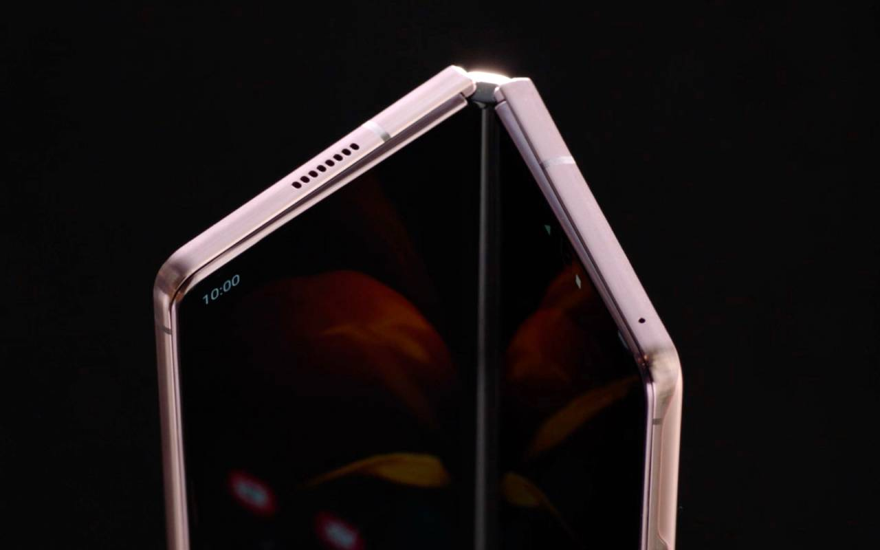 galaxy z fold s will have a 360 degree hinge like the surface duo