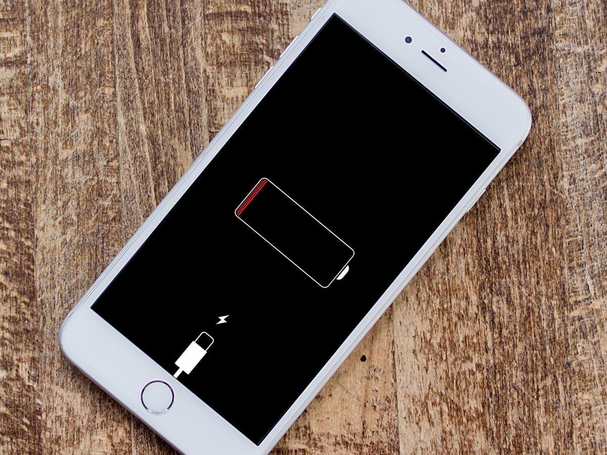 شارژ با شارژر مناسب برای حفظ عمر مفید باتری گوشی اپل