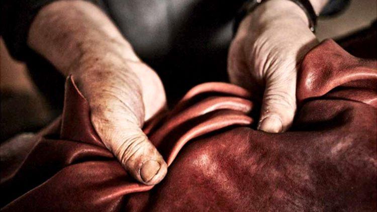 تشخیص کیفیت چرم هنگام خرید کیف چرمی