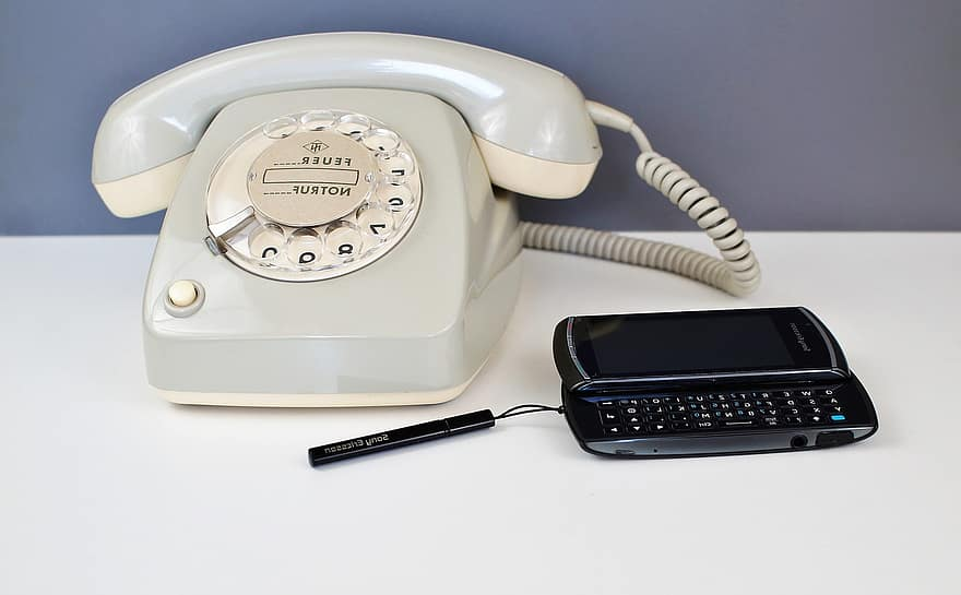 phone mobile phone dial communication call center keyboard old office call