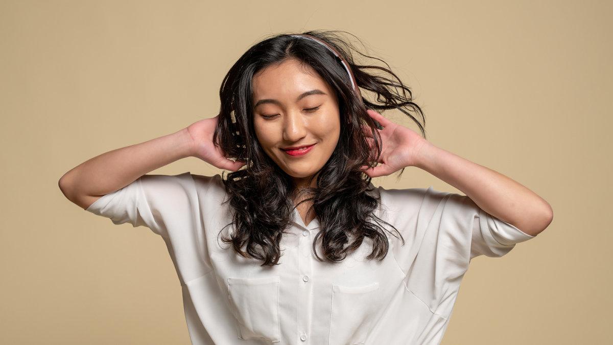 Earbuds vs headphones replacement