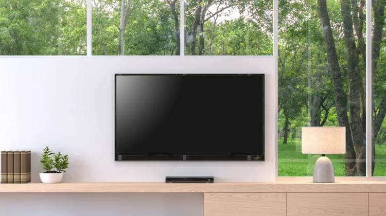 چطور تلویزیون را تمیز کنیم؟ 2 نکته و کابل ها