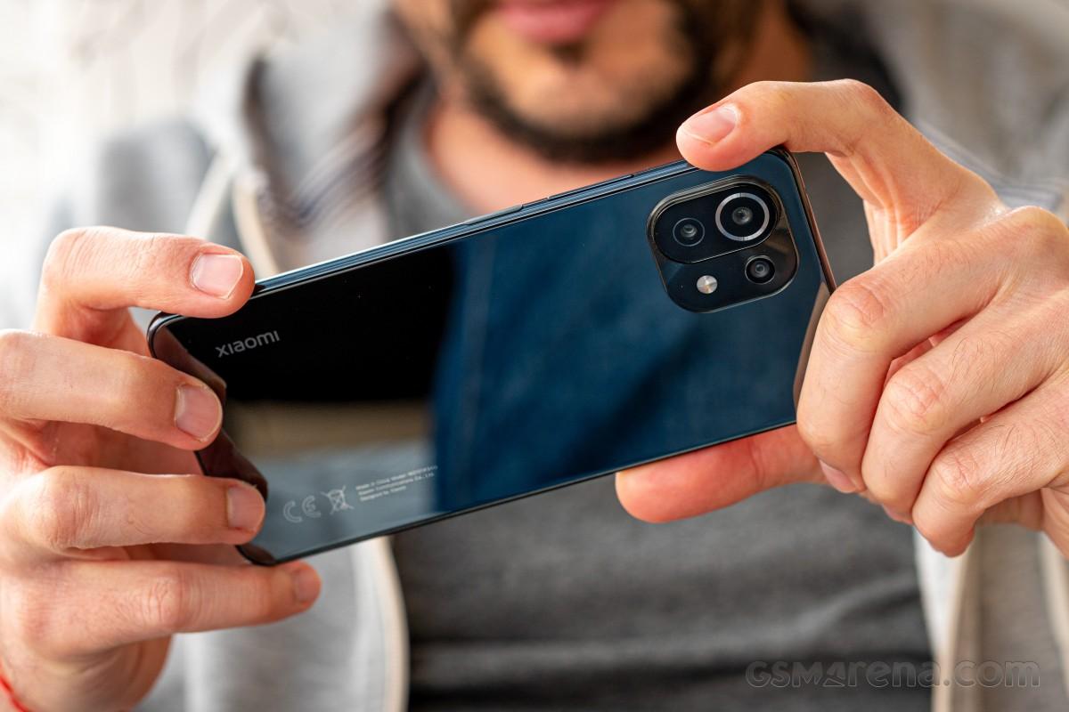 بررسی کامل و تخصصی گوشی می 11 لایت فورجی شیائومی: شکست از یاران خودی