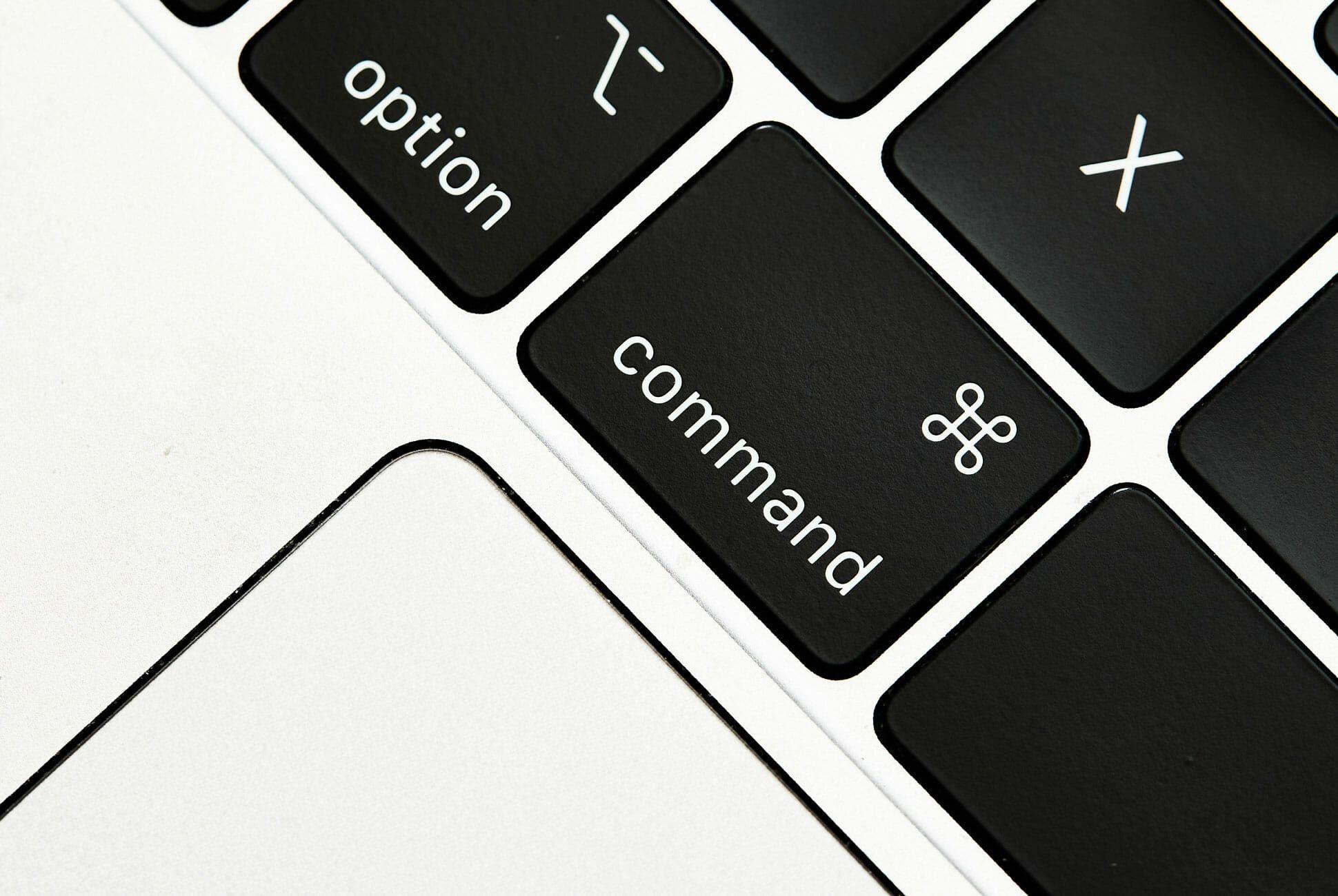 کلیدهای کنترلی صفحه کلید اپل شامل کلید Command هم میشوند.