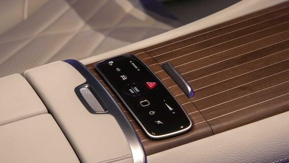 2022 Mercedes Benz EQS 14