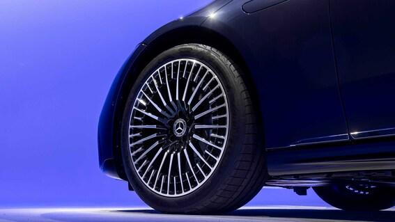 2022 Mercedes Benz EQS 18