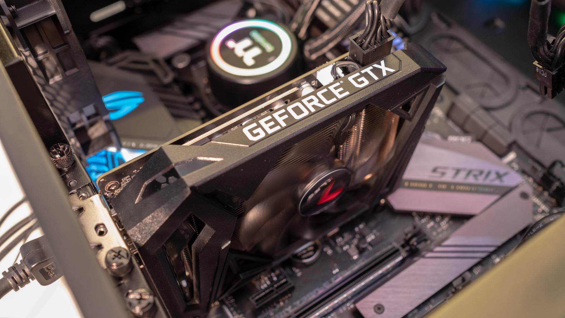 کارت گرافیک پی ان وای GeForce GTX 1660 Ti XLR8 Gaming OC