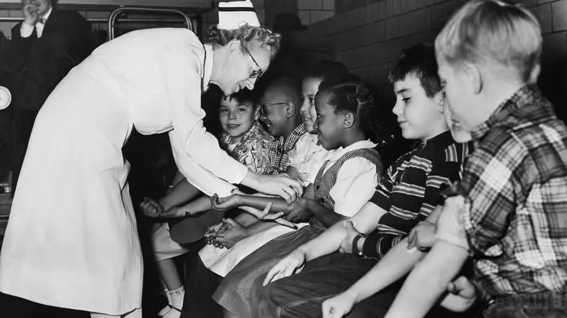 چرا مردم از واکسن می ترسند؟ بازگشت به قرن 19