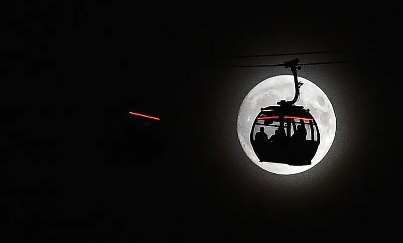 ابر ماه گرگینه را بیدار می کند؟ 3 نکته و ماه کوچک