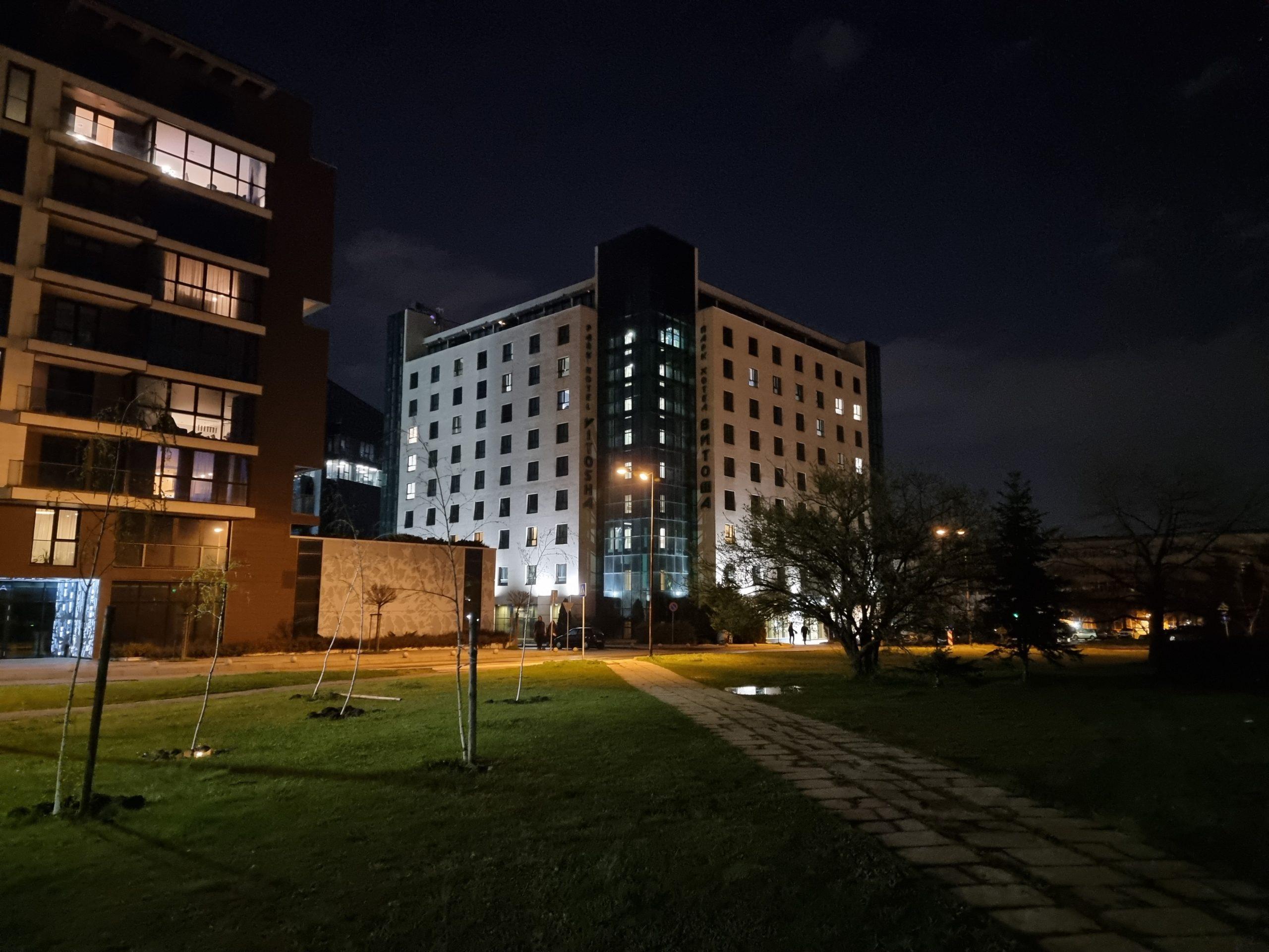 دوربین اس 21 اولترا در شب . scaled