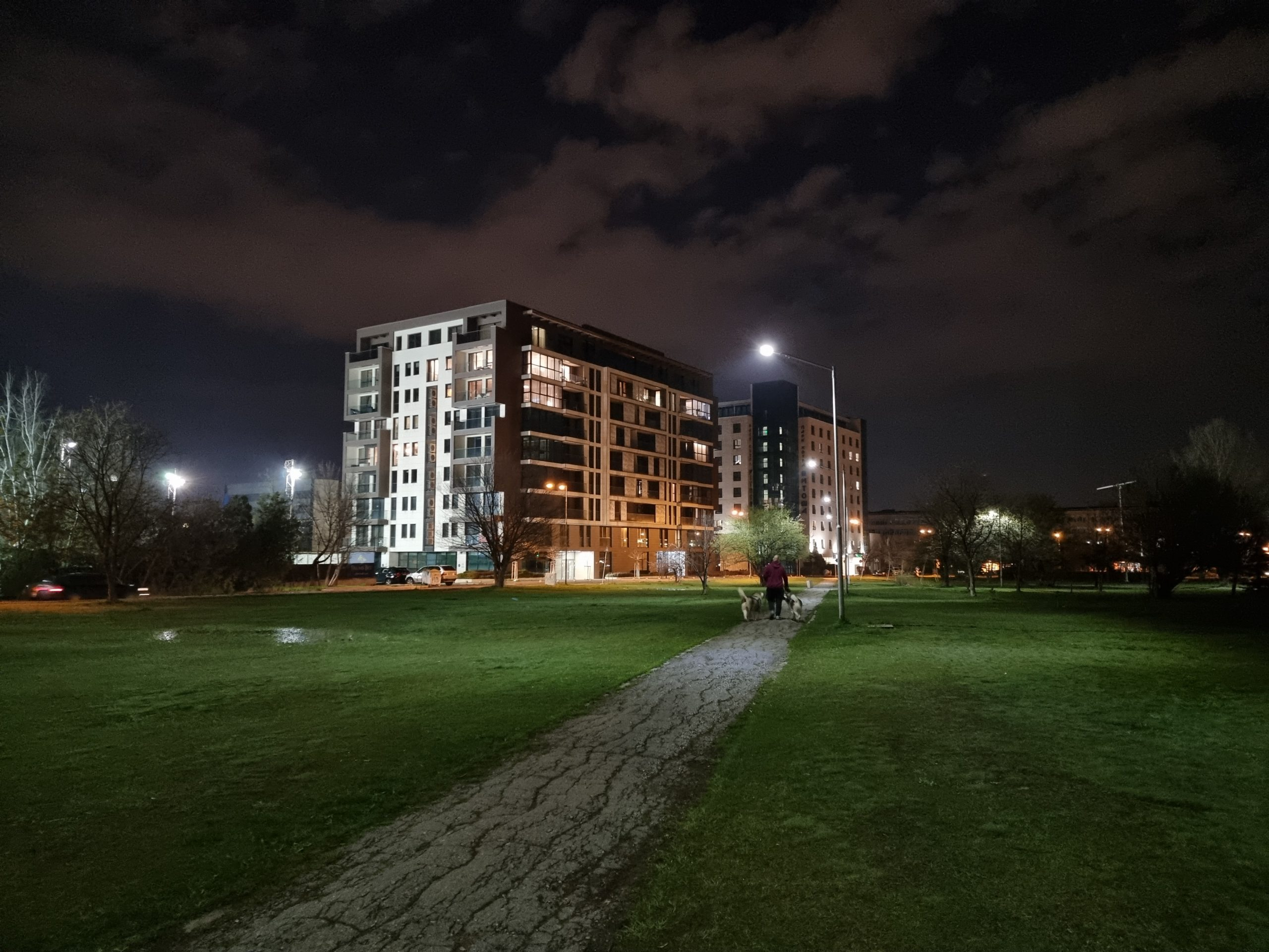 دوربین اس 21 اولترا در شب scaled