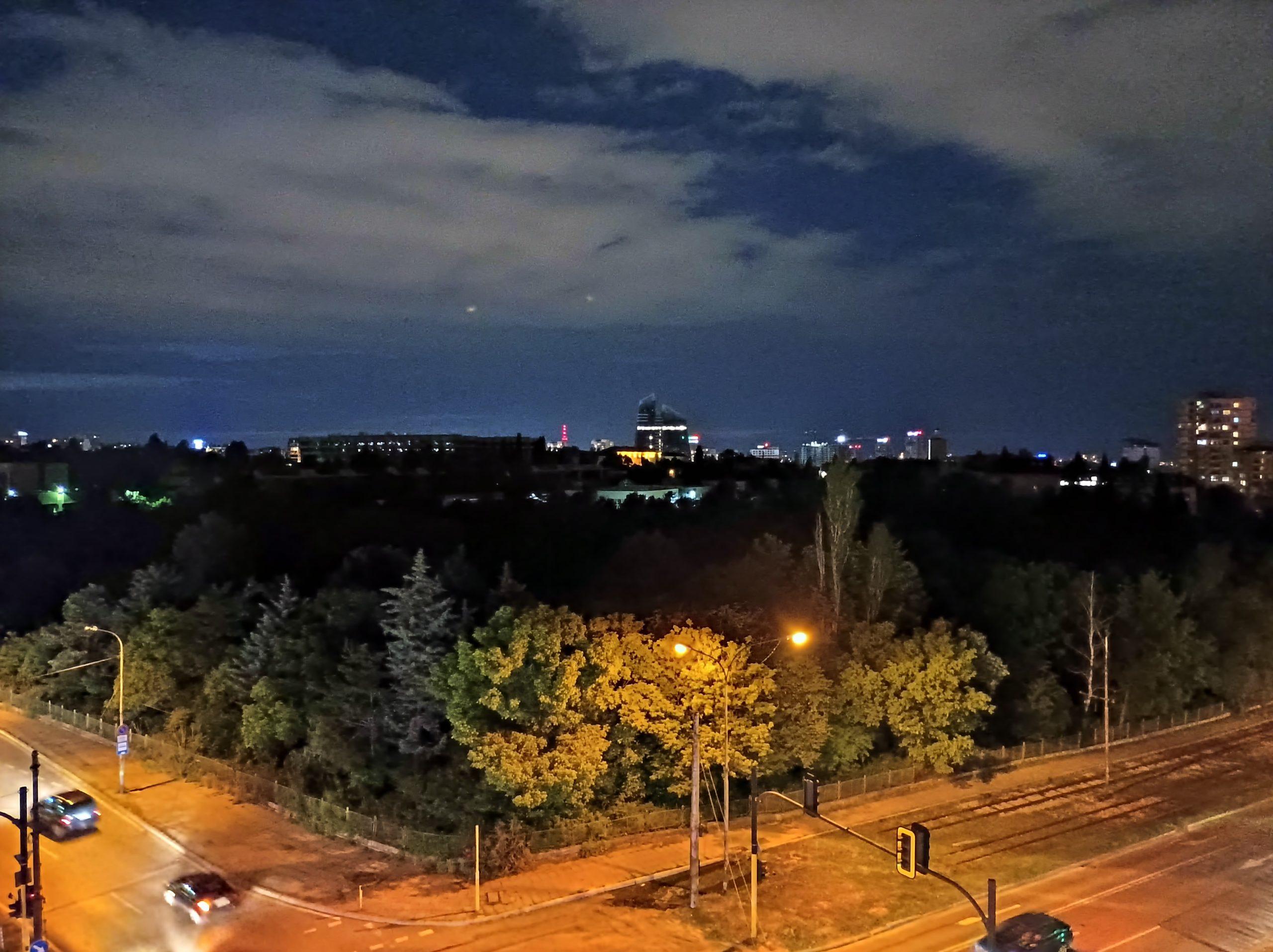 دوربین اصلی در شب با نایت مد. 3 scaled