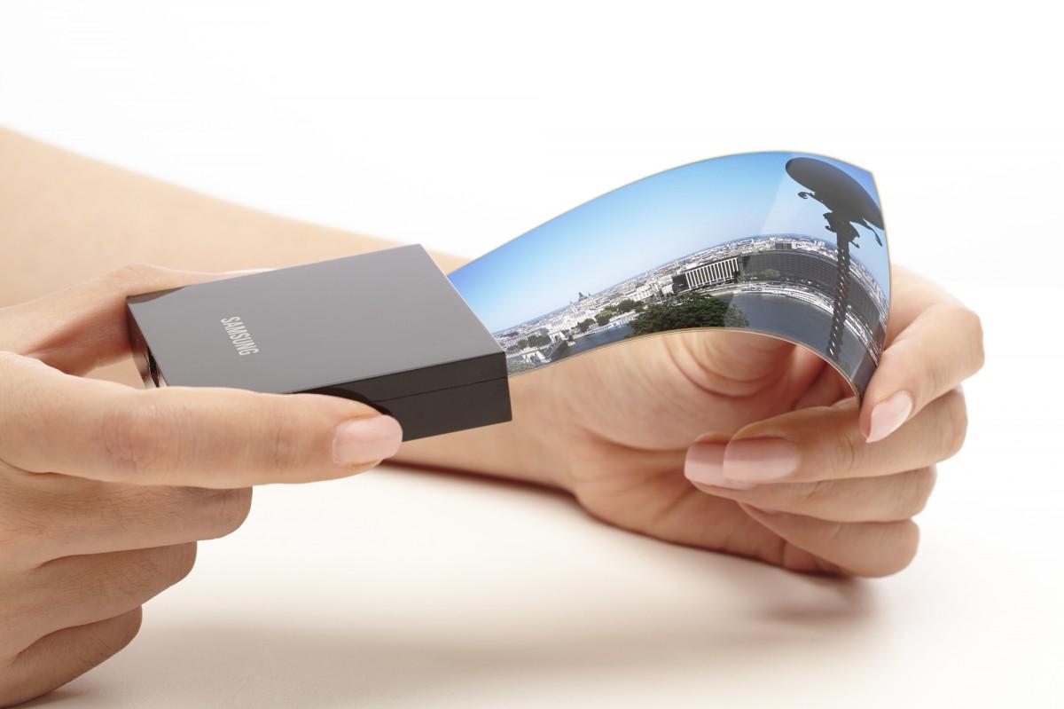 سامسونگ برای گوشیهای گوگل، ویوو و شیائومی نیز نمایشگرهای اولد تاشو خواهد ساخت