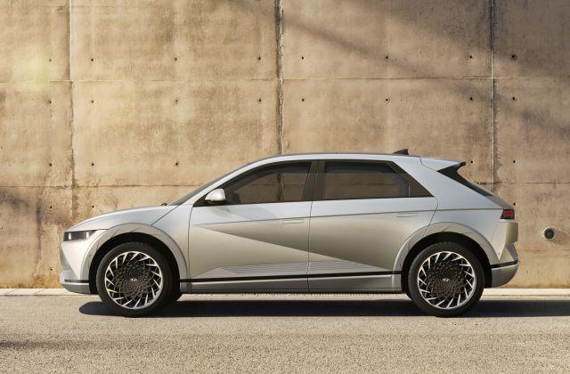 6 Large 45018 HyundaiIONIQ5RedefinesElectricMobilityLifestyle
