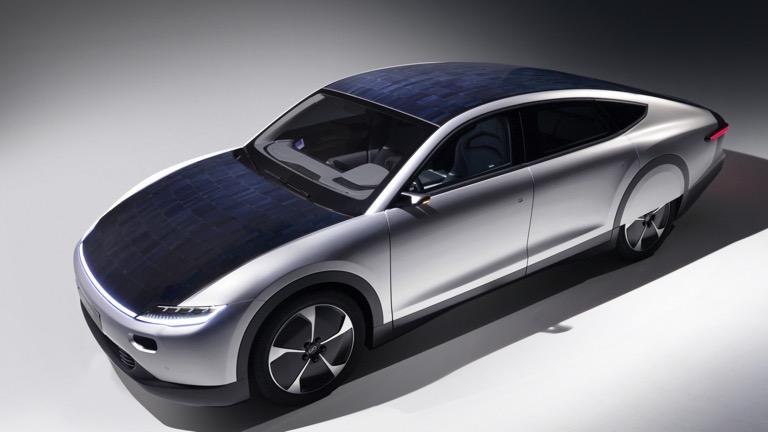 شارژ ماشین با صفحات خورشیدی