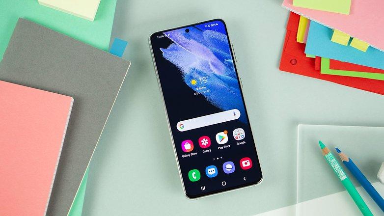 NextPit Samsung Galaxy S21 5G display w782