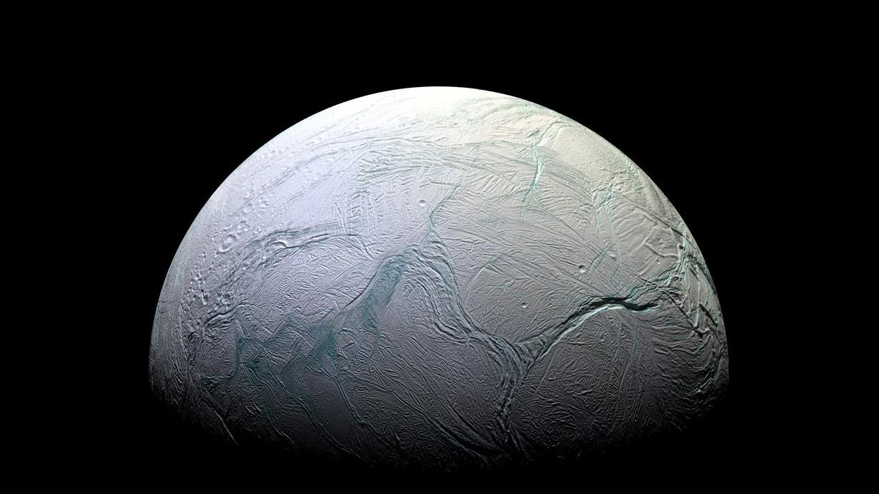 آیا امکان وجود زندگی میکروبی در اعماق اقیانوس قمر Enceladus زحل وجود دارد؟