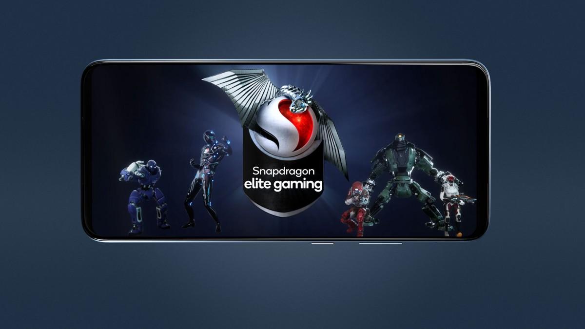 کوآلکام نیز با ساخت گوشی Smartphone for Snapdragon Insiders وارد دنیای گوشیهای هوشمند شد