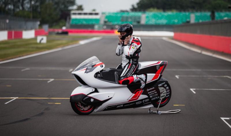 موتورسیکلت وایت: سریع مثل باد!