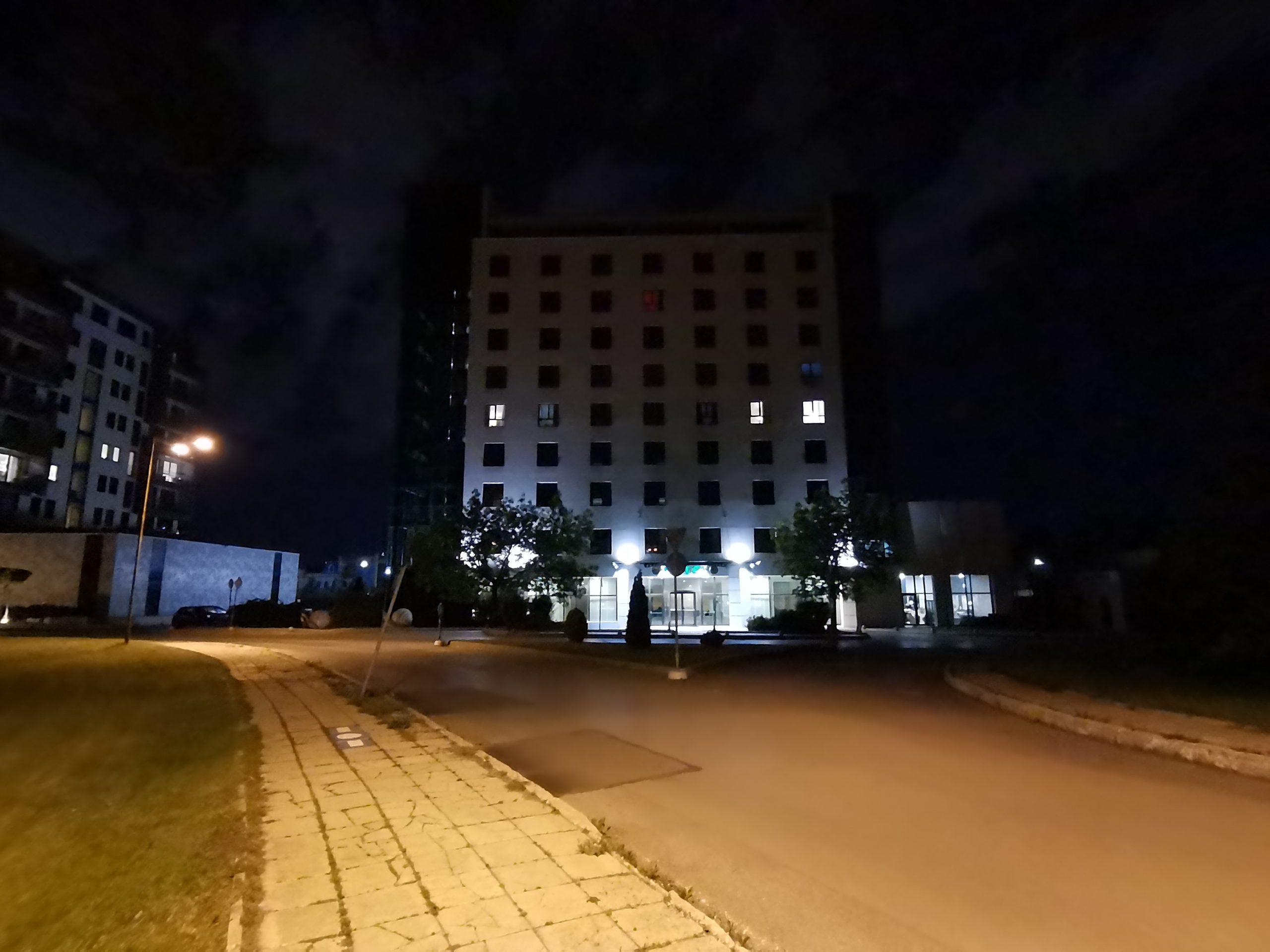 دوربین فوق عریض در شب scaled