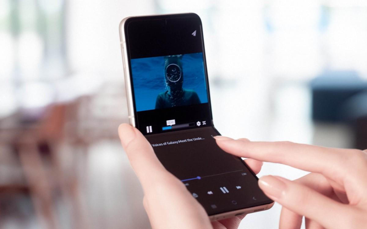 سامسونگ از گوشی گلکسی زد فلیپ 3 با نمایشگر کاور بزرگتر رونمایی کرد