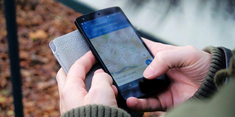 چگونه زبان مسیریابی خود را در گوشیهای اندروید تغییر دهیم