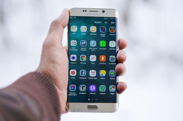 گوشیهای شفاف آینده دنیای فناوری یا محصول فیلمهای علمی تخیلی؟ + ویدئو