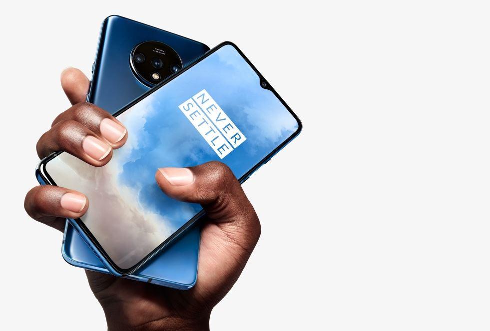 OnePlus hands 0c25