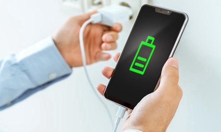 چرا به شارژ سریع باتری گوشی نیاز داریم2