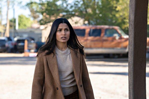 فریدا پینتو در فیلم نفوذ 2021