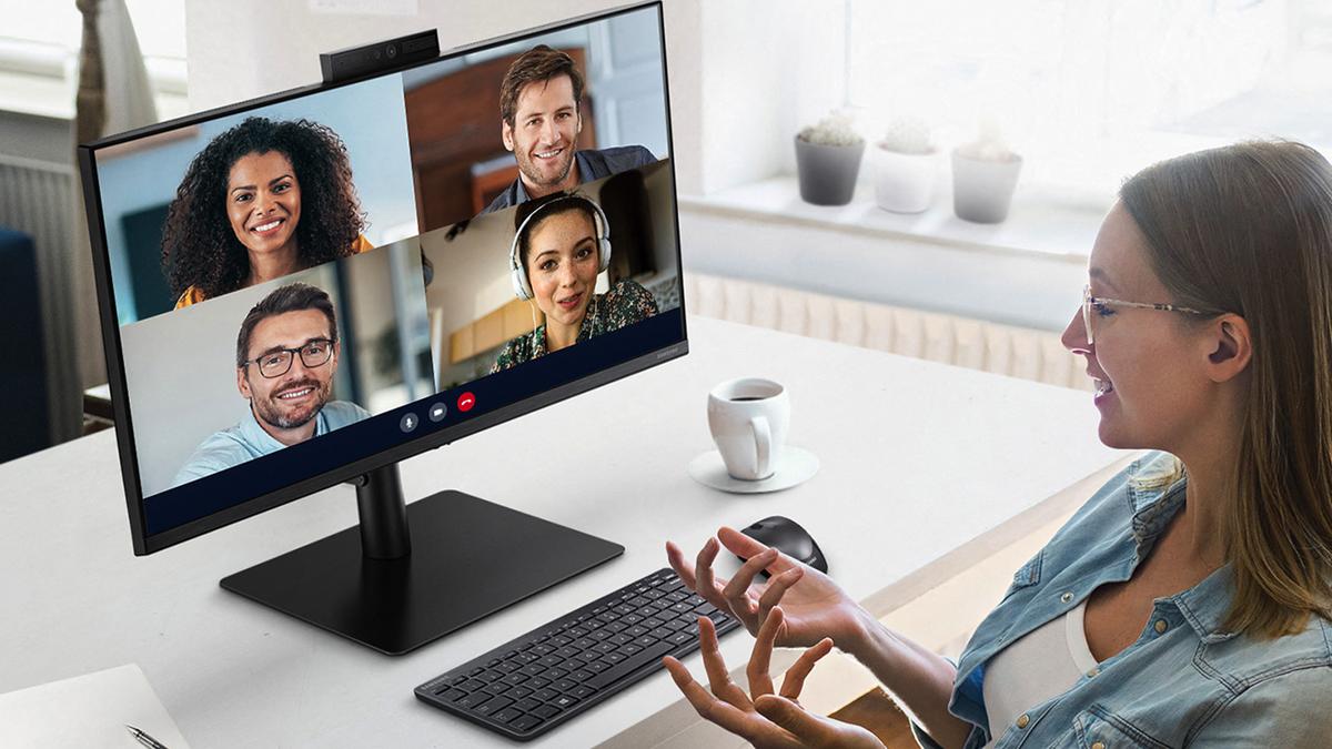 با وب کم مانیتور S4 آشنا شوید: نمایشگر با وب کم یک پارچه