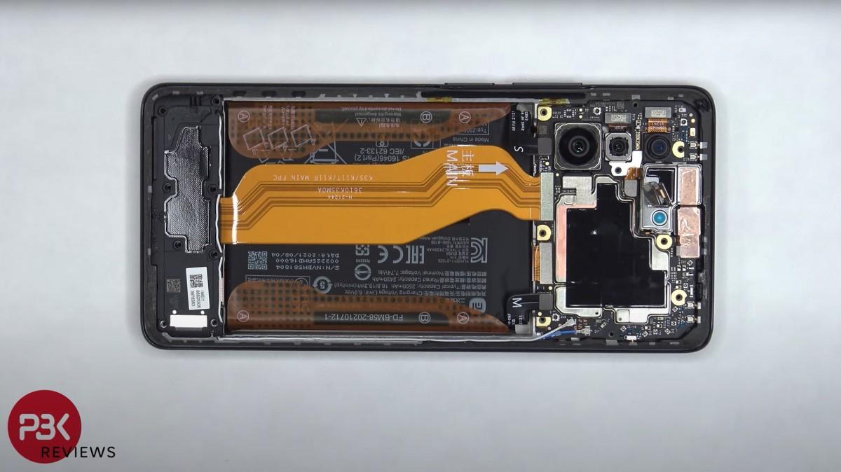 ویدئوی کالبدشکافی گوشی شیائومی 11 تی پرو سیستم خنککننده پیشرفته را نشان میدهد