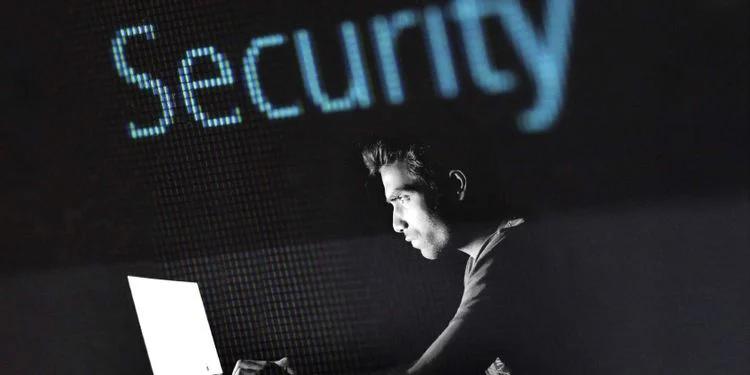 چرا ادعا میشود که ویندوز 11 نسبت به ویندوز 10 امنیت بسیار بیشتری دارد؟